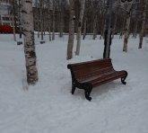 В Майском парке появились заветные скамейки